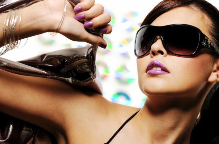 Cum recunoaştem ochelarii de soare contrafăcuţi