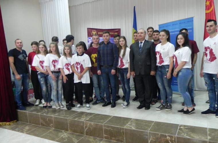 Tineretul patriotic a ascultat o prelegere despre istoria Moldovei (VIDEO)