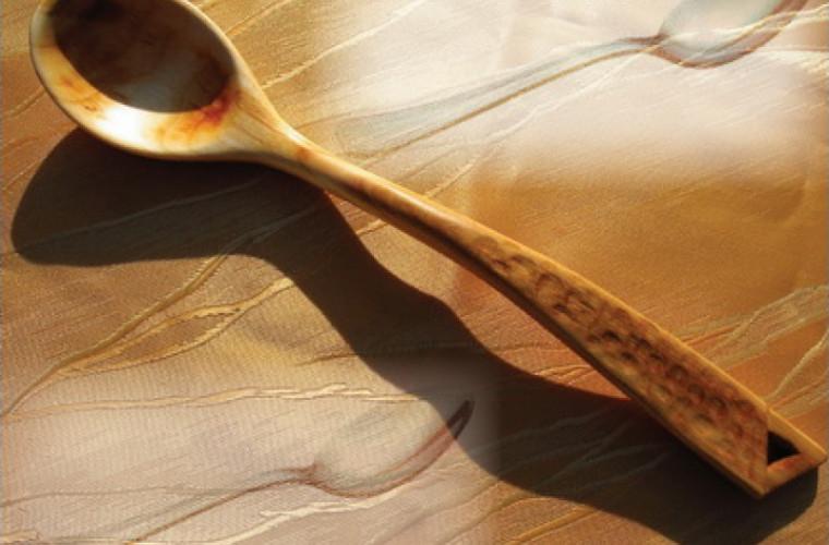 De ce trebuie să pui o lingură de lemn deasupra mîncării care fierbe