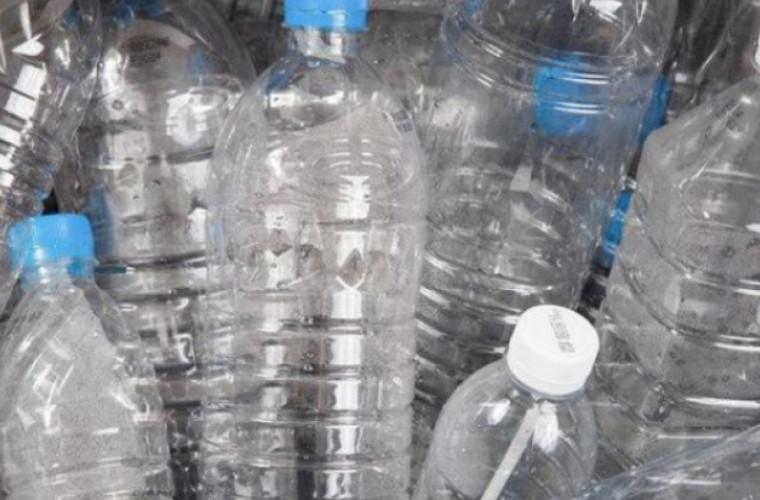 Cît de periculos este să reutilizați o sticlă din plastic