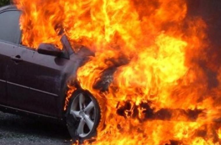 Un incendiu a mistuit un automobil în sectorul Ciocana