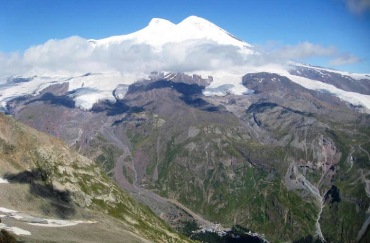 Urcarea pe Elbrus. Călătoria în spațiul suprem pentru schimbări (FOTO)