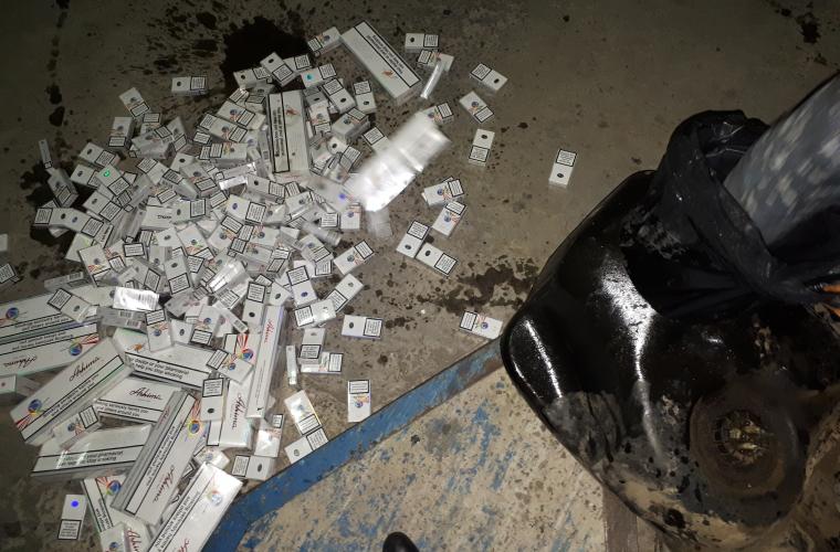 Un român prins cu aproape 10 000 de țigări nedeclarate la vama