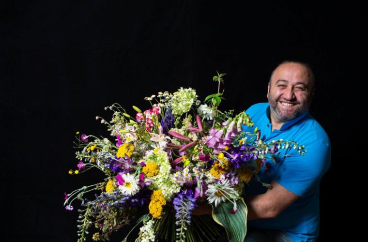 Unul din cei mai buni floriști din lume vine cu un show unic în Chișinău (FOTO)