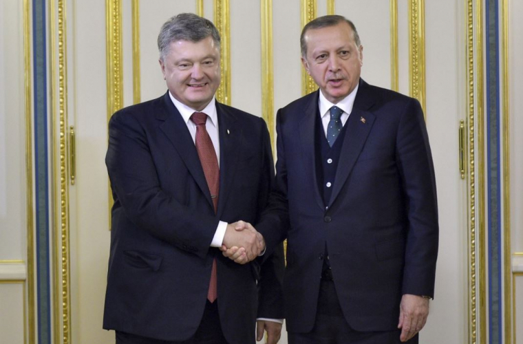 Erdogan a adormit în timpul unei întîlniri cu Poroșenko (VIDEO)