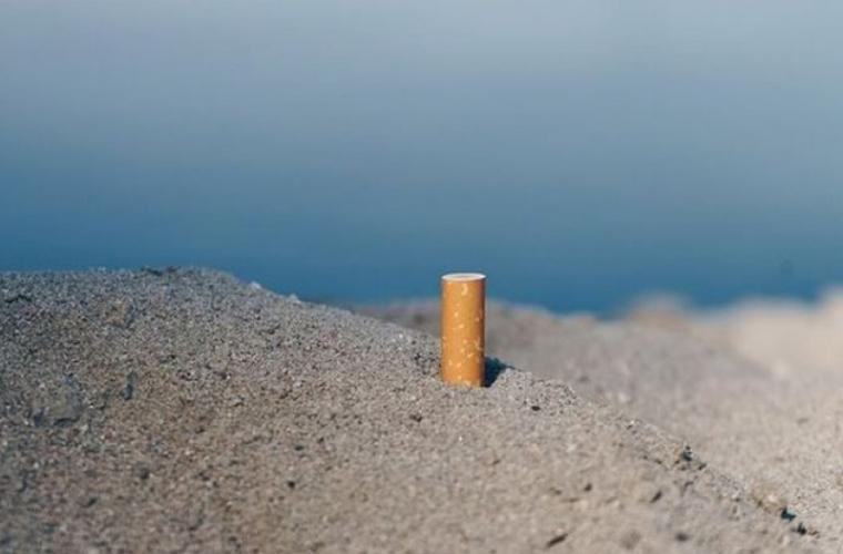 Această țară a interzis fumatul pe plajele sale