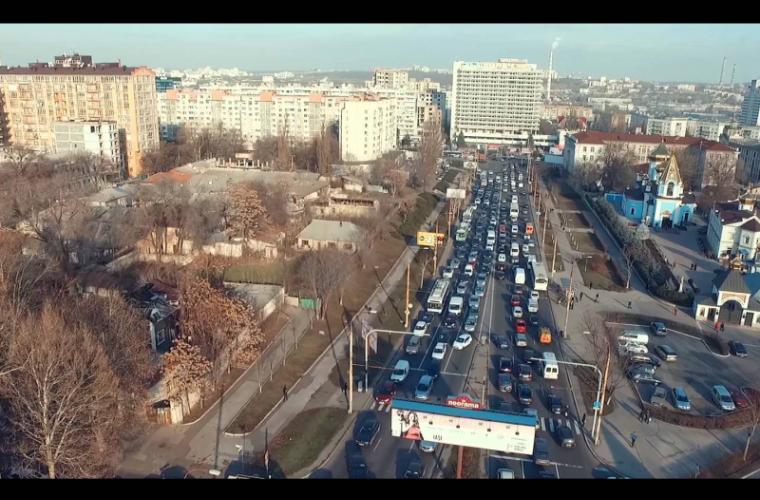 Iată care străzi din capitală sînt pline de ambuteiaje