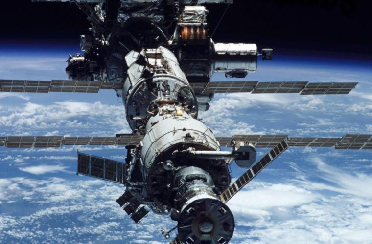 Китайская орбитальная станция падает на Землю (ВИДЕО)