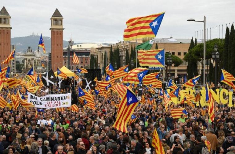 Autoritățile spaniole au dizolvat Guvernul Cataloniei