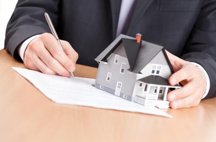 Numărul ipotecilor şi al altor tranzacţii imobiliare, în creștere