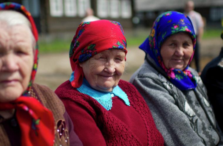 Pensii mai mari pentru circa 65 de mii de cetățeni