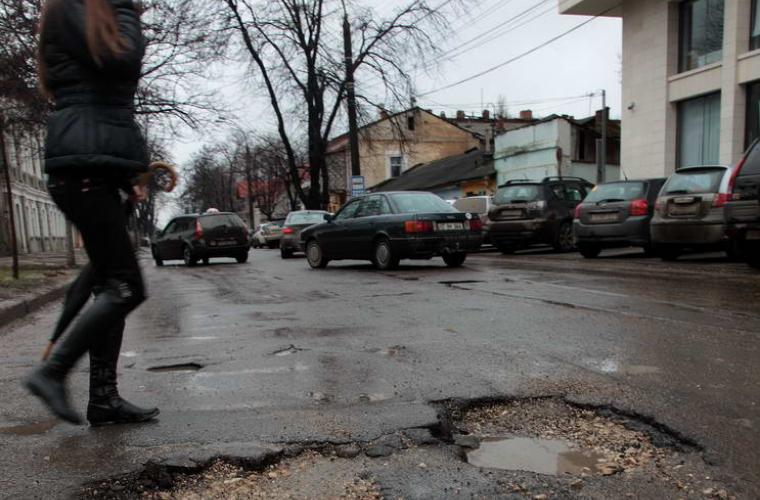 Утренние пробки на улицах Кишинева испытывают терпение водителей