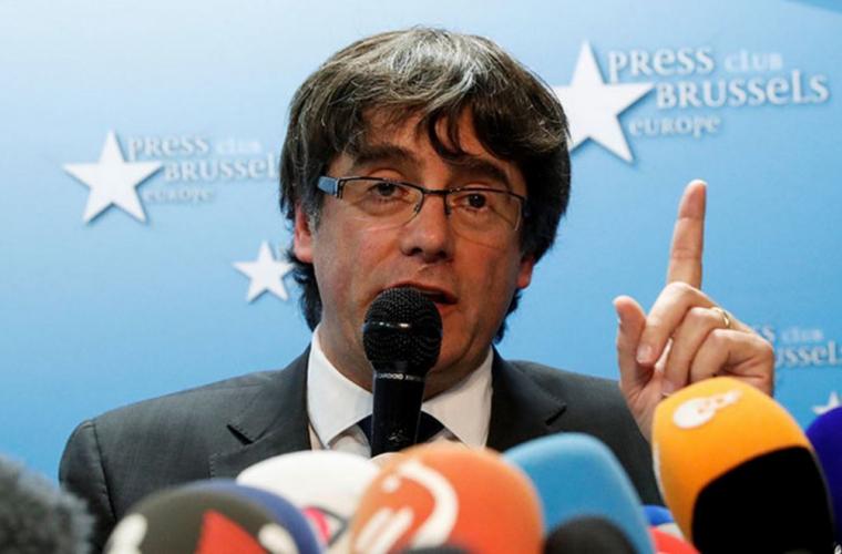 Șeful suspendat al Cataloniei l-a angajat pe fostul avocat al separatiștilor