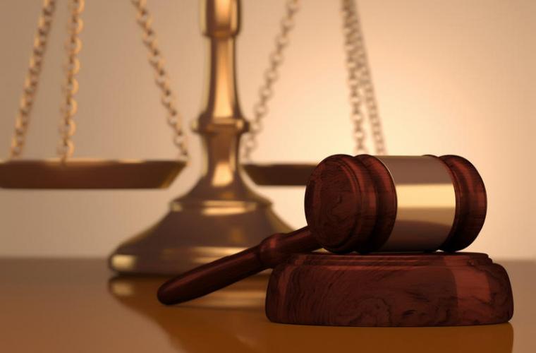 Discriminarea în justiție: limba te poate duce și în instanță?