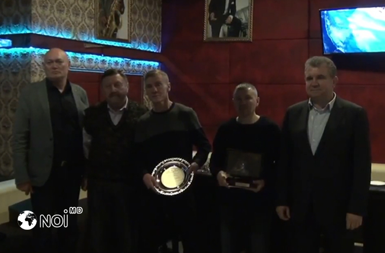 Doi boxeri din Moldova, premiați de Federația de Box (VIDEO)