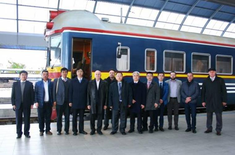Companii chineze, dispuse să electrifice calea ferată din Moldova