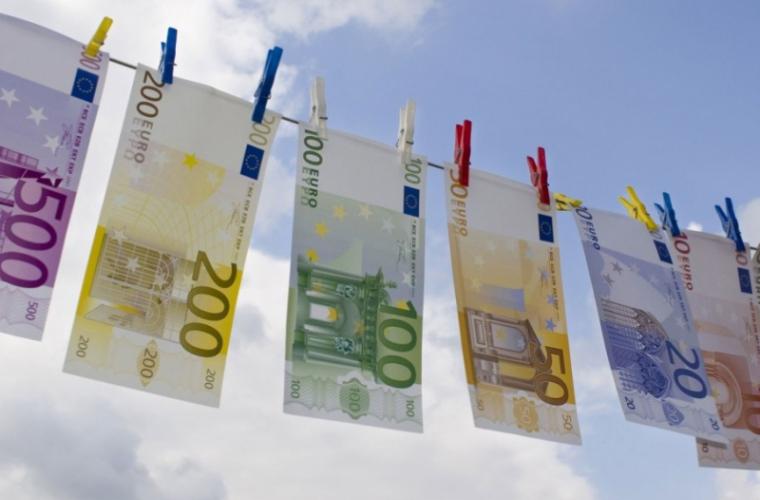 Cum au vrut să cîștige 20 de mii de euro doi avocaţi şi un poliţist