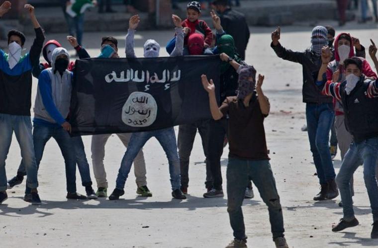"""""""Statul Islamic"""" a pierdut 95% din teritoriile cucerite în 2014"""