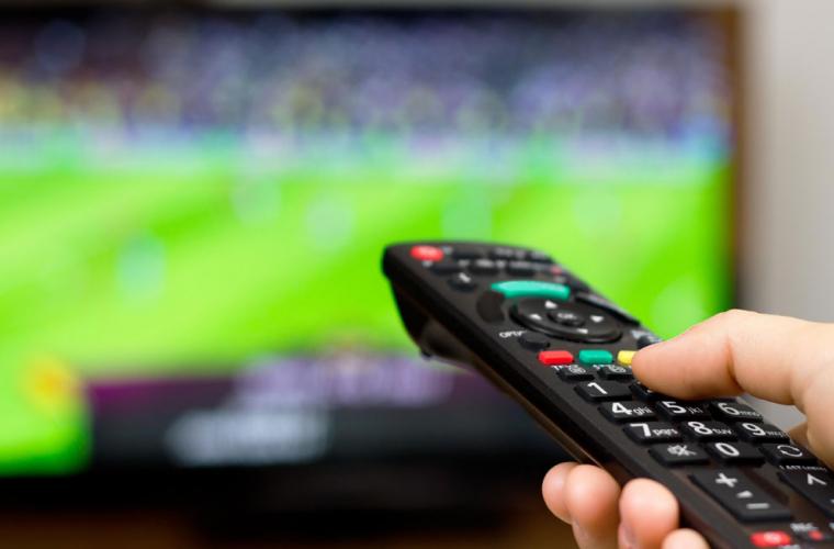 Care sînt vînzările serviciilor TV contra plată și numărul de abonați
