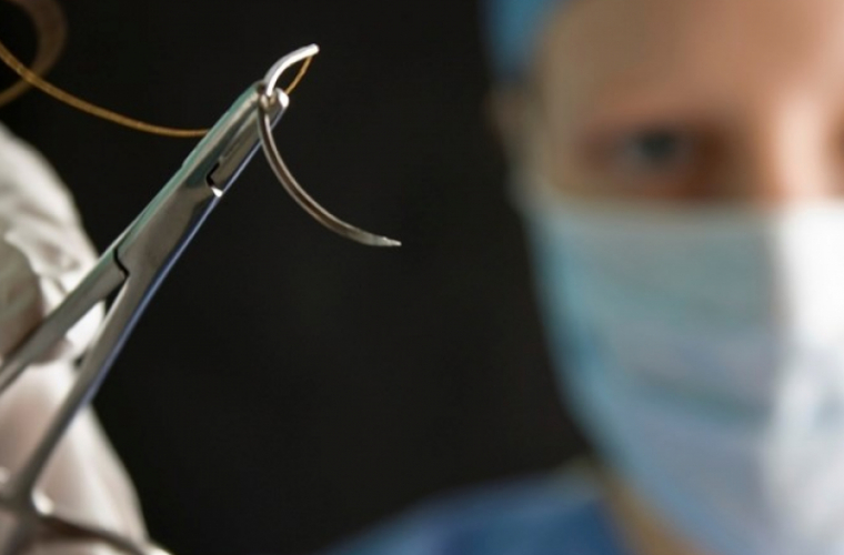 Acul chirurgical inteligent, care oferă imaginile organelor, în timpul operației
