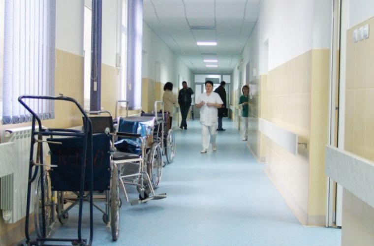 Tratament de coșmar administrat unui copil într-un spital din capitală (FOTO)