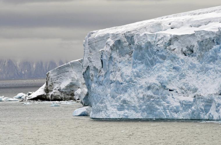 În Arctica gheața se topește mai repede decît în ultimii 1500 de ani