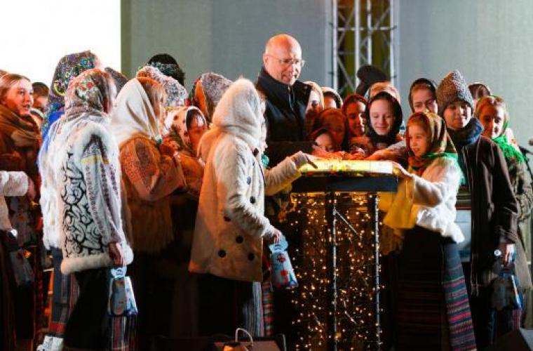 Pavel Filip: Anul acesta sărbătorim Crăciunul împreună, acasă