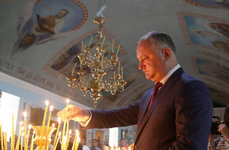 Igor Dodon îi felicită pe cetățeni cu ocazia sărbătorii Sfîntului Nicolae