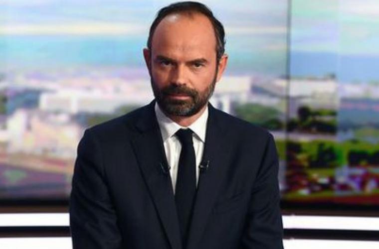 Premierul Franţei se justifică pentru închirierea unui avion privat de la Tokyo