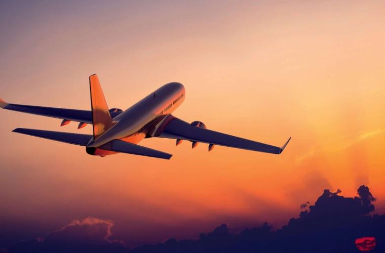 TRAGEDIE ÎN AER. Un bebeluş de două luni a murit în timpul unui zbor cu avionul
