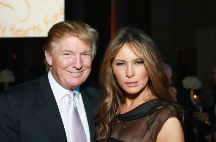 Donald și Melania Trump urează lumii sărbători fericite
