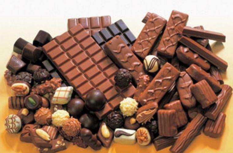 Motive pentru care se recomandă consumul de ciocolată neagră sau normală