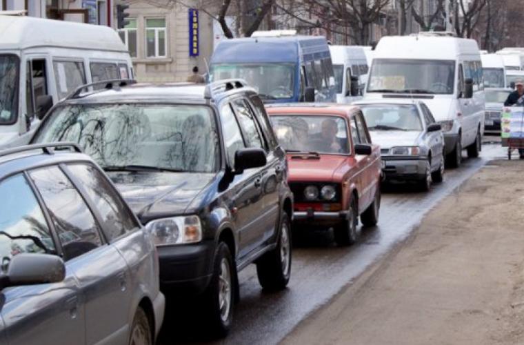 Pe ce străzi se circulă cu dificultate la această oră