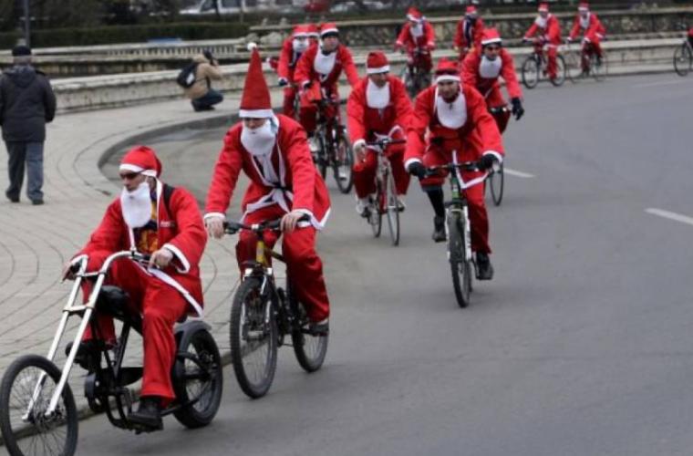 Cicliștii din Chișinău au dus daruri familiilor nevoiașe