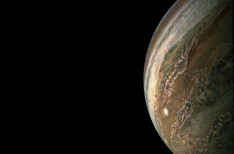 Frumuseţea lui Jupiter, văzută pentru prima dată la rezoluţie mare (FOTO)