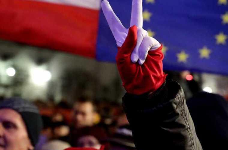 Polonia ar putea ieși din UE?