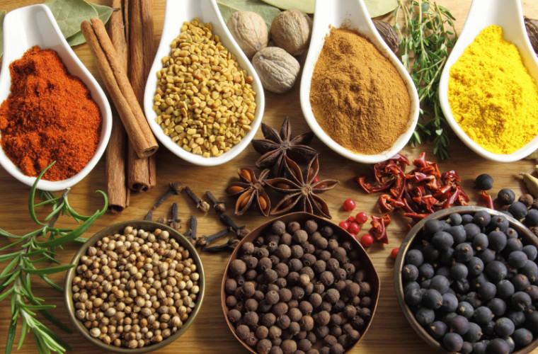 Condimente care fac mîncarea mai sănătoasă