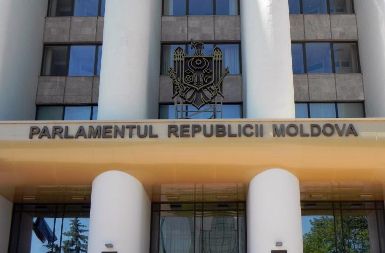 Parlamentul a adoptat o declarație de condamnare a atacurilor Federației Ruse