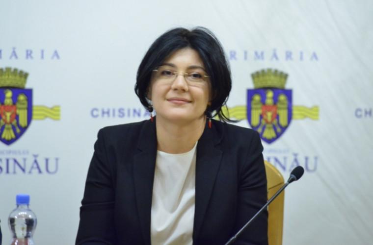 Silvia Radu merge la București