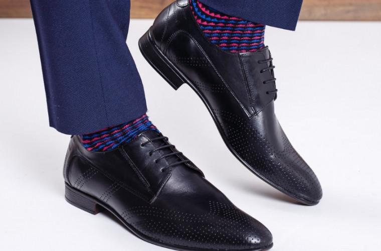 Trucuri naturale pentru pantofi strălucitori