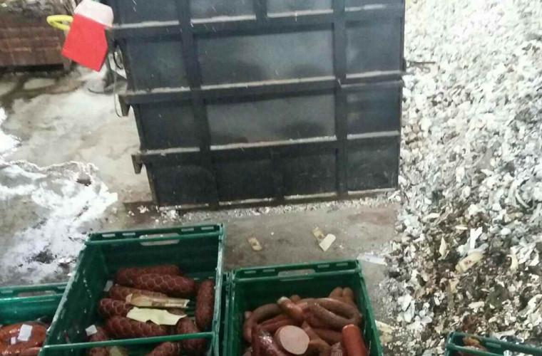 1,2 tone de mezeluri, NIMICITE fără milă de inspectorii ANSA (FOTO)