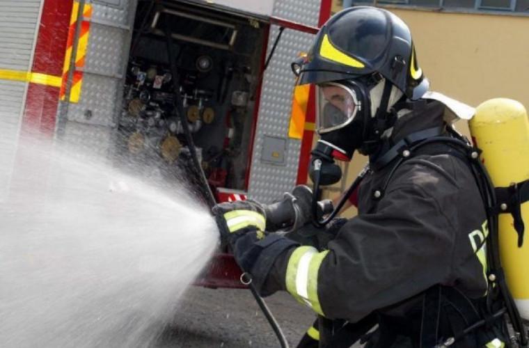 Pompierii au intervenit în forţă pentru salvarea a nouă persoane la Căuşeni