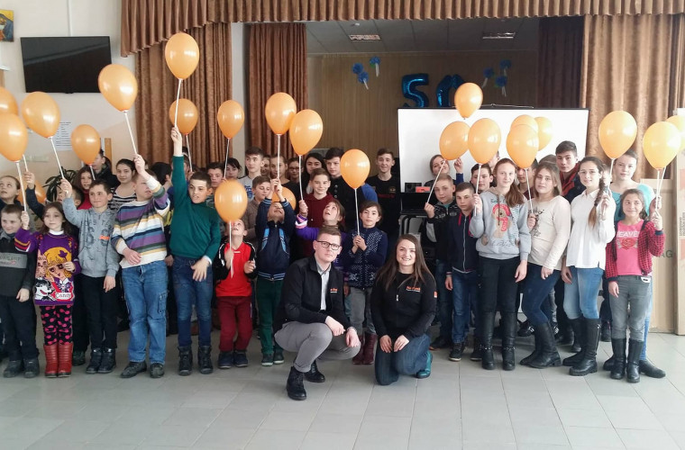 """Fundaţia Orange Moldova promovează """"Incluziunea digitală rurală"""""""