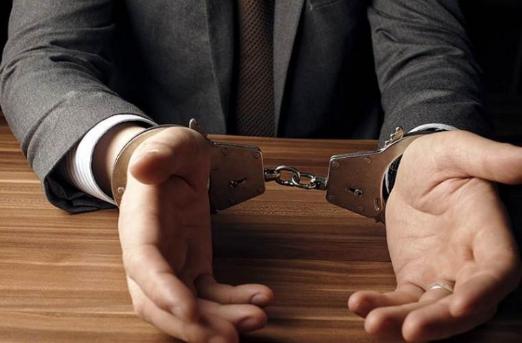 Un proxenet francez a fost deferit justiţiei