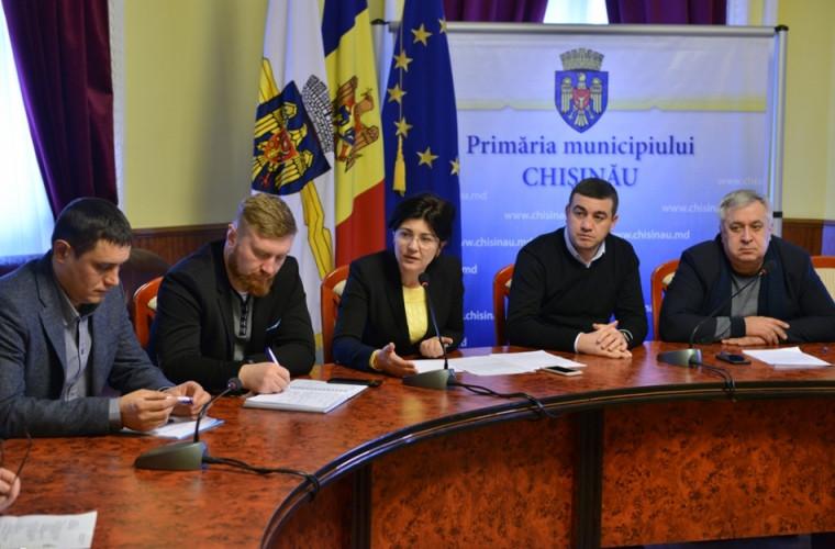 Situaţia din capitală, discutată în cadrul unei şedinţe matinale la Primărie