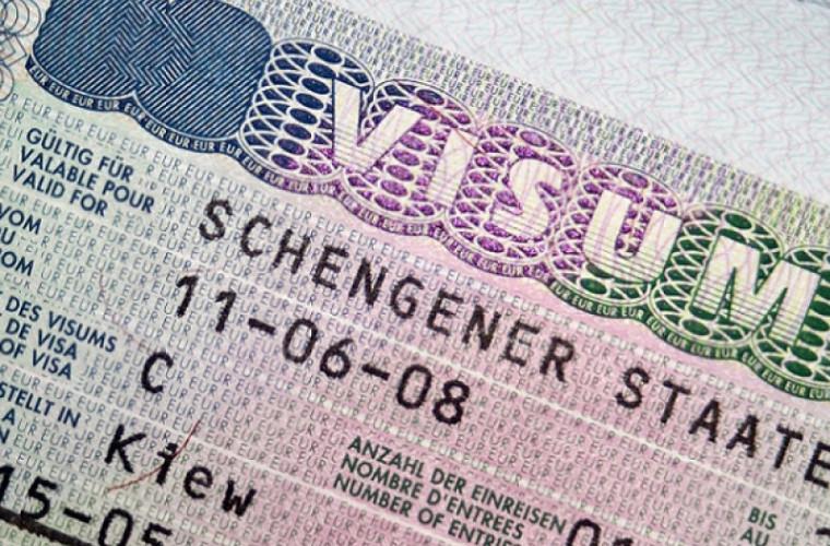 Comisia Europeană a anunțat viitoarea majorare a prețului vizelor Schengen
