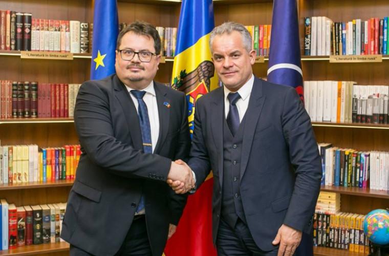 Detalii despre întrevederea lui Plahotniuc cu ambasadorul UE la Chişinău