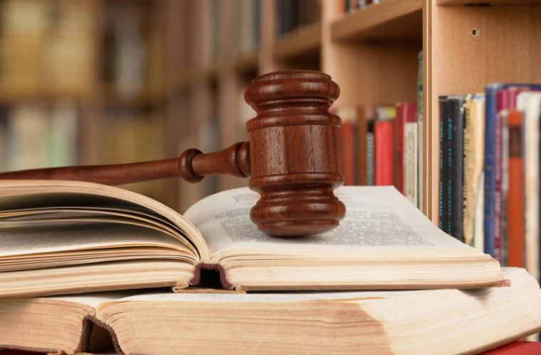 Consultații juridice gratuite în troleibuz, pentru cetățeni