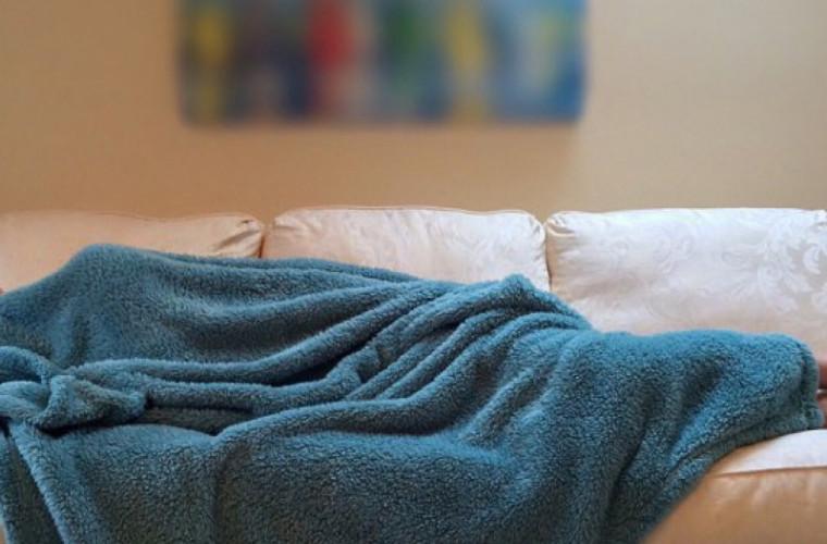 De ce să nu mai dormi niciodată pe canapea