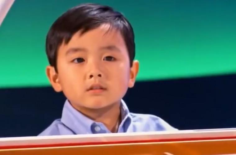 Puştiul care a uimit tot internetul cu talentul său (VIDEO)